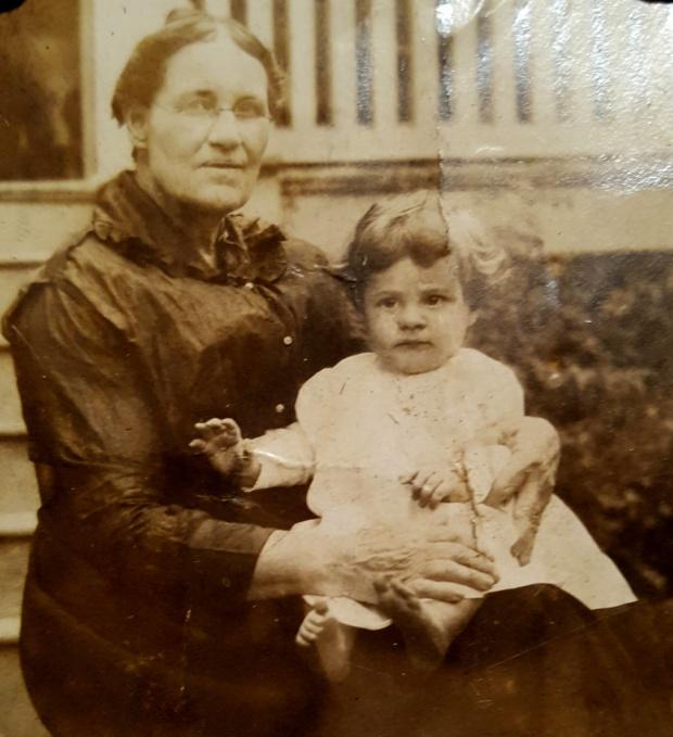 Elizabeth Kemp Dobbs and George Dobbs cropped